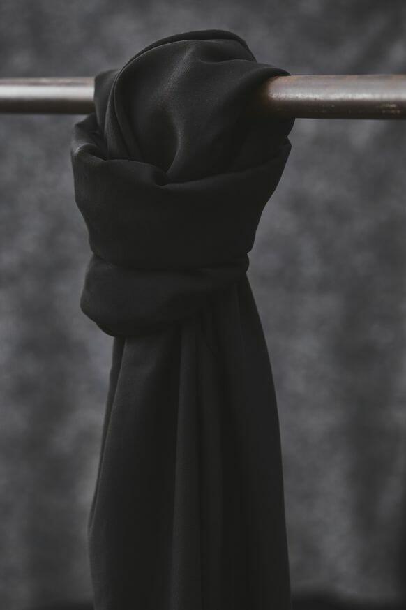 musta tencel kangas