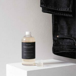 Dark & Denim-farkku pesuaine Steamery Stockholm.